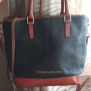 Dooney&bourke purse